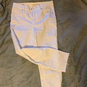 White crop Levi's